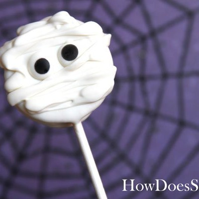 Spooky Mummy Cookie Suckers How-To Video