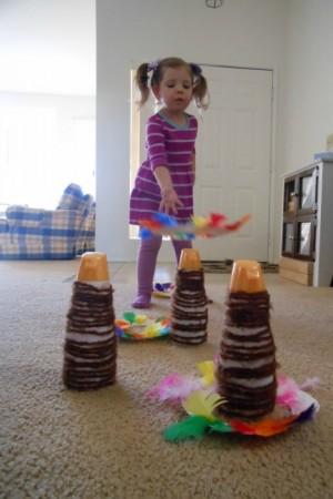 DIY-Thanksgiving-game...-turkey-ring-toss-