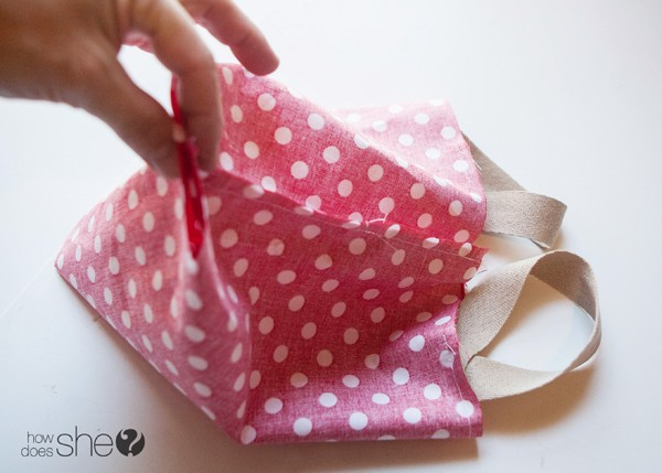 Fun DIY Christmas Gift Bags - Perfect for the Holidays (10)