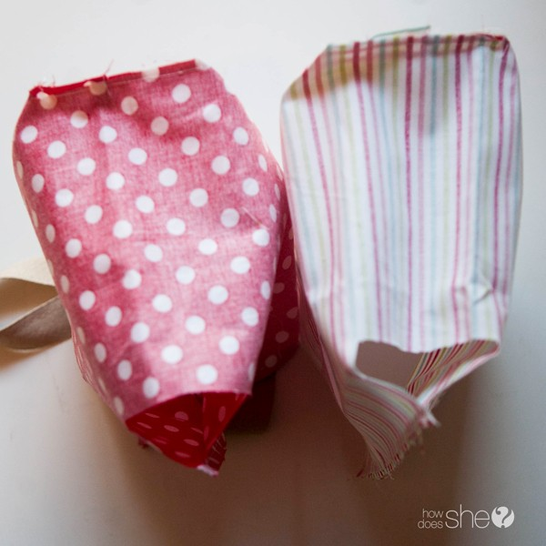 Fun DIY Christmas Gift Bags - Perfect for the Holidays (12)