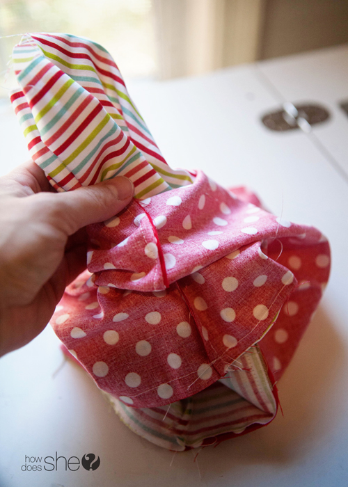 Fun DIY Christmas Gift Bags - Perfect for the Holidays (15)