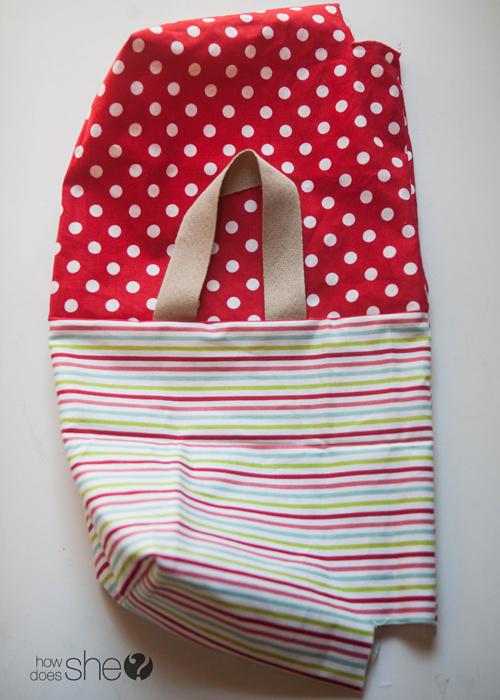 Fun DIY Christmas Gift Bags - Perfect for the Holidays (16)