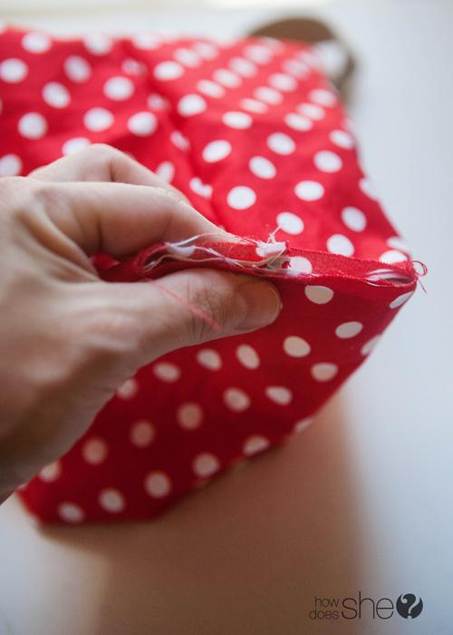 Fun DIY Christmas Gift Bags - Perfect for the Holidays (17)