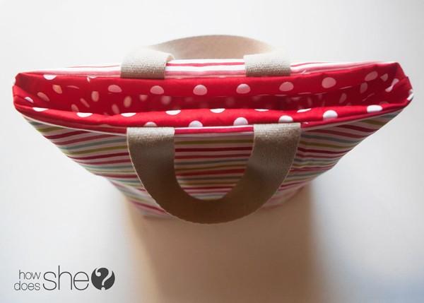 Fun DIY Christmas Gift Bags - Perfect for the Holidays (19)