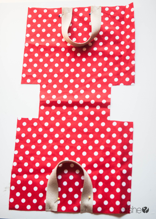 Fun DIY Christmas Gift Bags - Perfect for the Holidays (7)