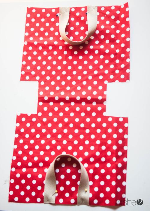Fun DIY Christmas Gift Bags - Perfect for the Holidays (7)
