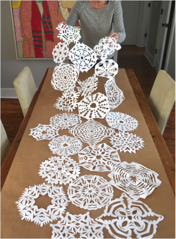 DIY snowflake table runner