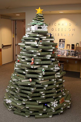 book-christmas-tree1