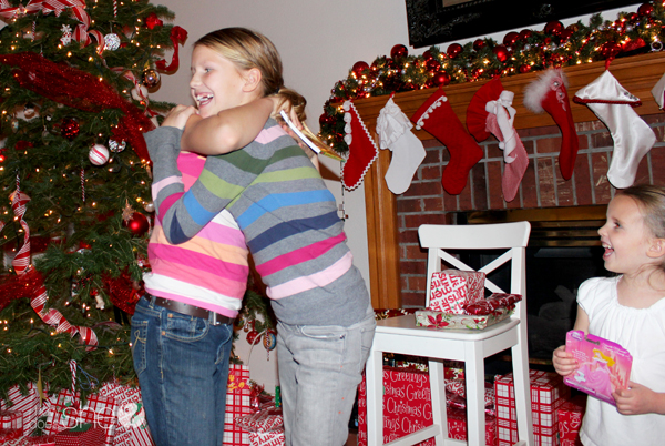 6 new christmas eve traditions for a magical holiday (5)