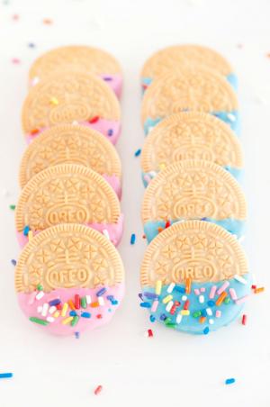 Confetti+Oreos+|+Sprinkles+for+Breakfast