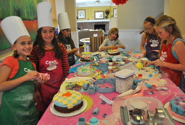 Cake Boss Decorating Table : 18 Epic Tween, Teen, and Sweet 16 Parties They Wonot Think ...