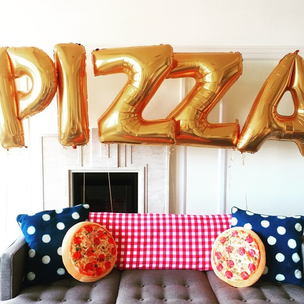 Teenage Christmas Party Ideas Part - 27: Pizza Balloon And Pillows For Sweet Sixteen Parties