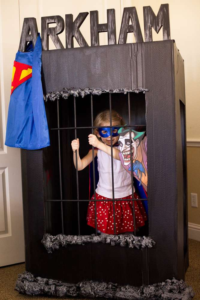 Superhero party idea 16