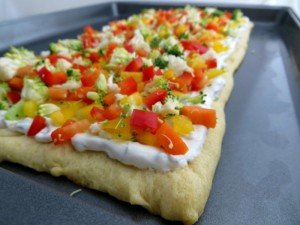 Vegetable-Pizza-Appetizer-with-Veggies