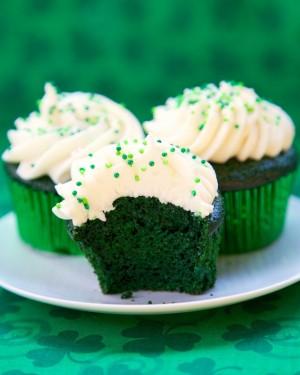 green velvet cupcakes (1)