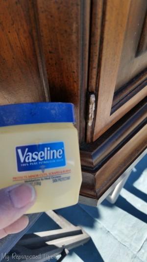 vaseline-paint-hinges