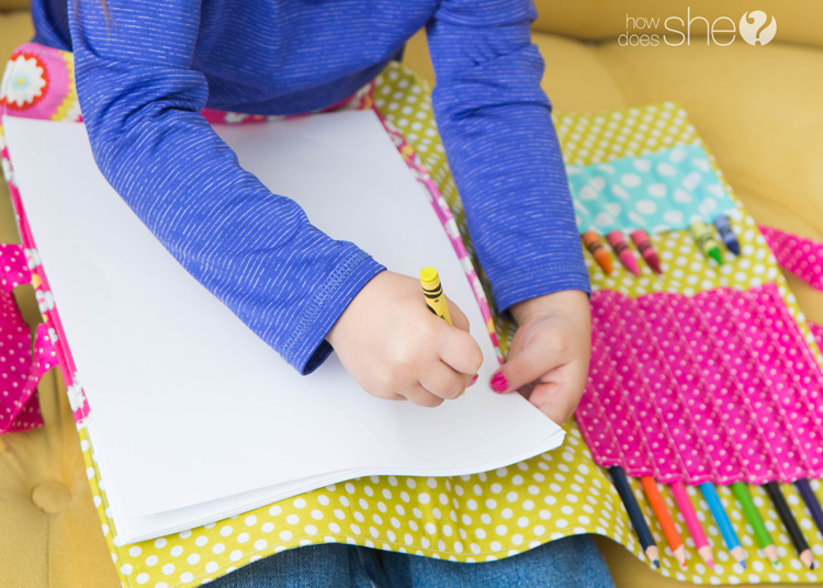 DIY coloring book and crayon holder (18)