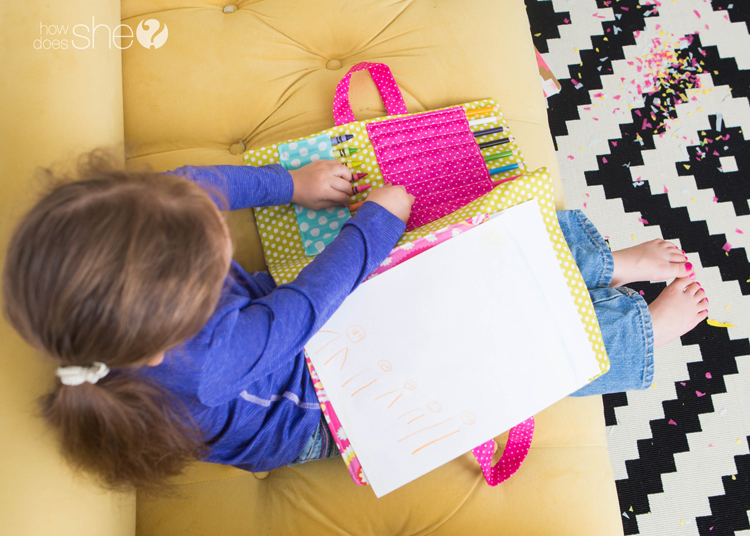 DIY coloring book and crayon holder (20)