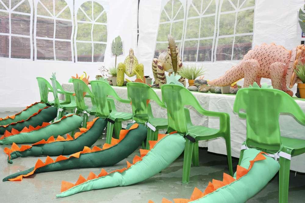 Dinosaur party 5