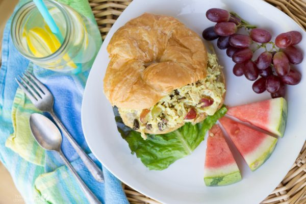 Sweet and easy chicken salad sandwiches Great for a crowd (7)