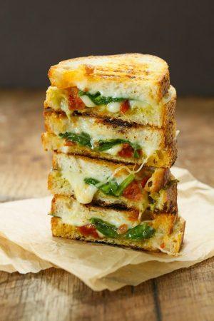 grilled-sundried-tomato-spinach-pesto-sandwiches-600x900