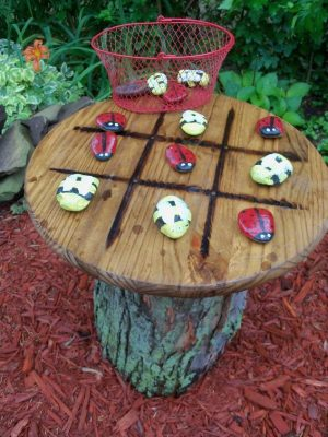 "tic-tac-toe-garden-bàn-craft-Outdoor-Living-repurposeing-upcycling.1"" width = "" 300 ""height ="" 400 ""srcset ="" https://howdoesshe.com/wp-content/uploads/2016/04/tic-tac-toe-garden-table-ccraft-outdoor-living-repurposeing-upcycling.1- 300x400.jpg 300w, https://howdoesshe.com/wp-content/uploads/2016/04/tic-tac-toe-garden-table-ccraft-outdoor-living-repurposeing-upcycling.1-150x200.jpg 150w, https://howdoesshe.com/wp-content/uploads/2016/04/tic-tac-toe-garden-table-ccraft-outdoor-living-repurposeing-upcycling.1-600x800.jpg 600w, https: // howdoesshe .com / wp-content / uploads / 2016/04 / tic-tac-toe-garden-bàn-craft-ngoài trời-sống-repurposeing-upcycling.1.jpg 634w ""size ="" (max-width: 300px) 100vw, 300px ""/> </p><h2 style="