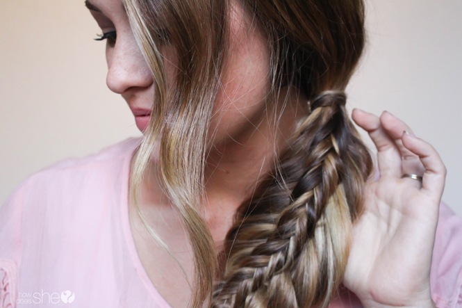 How to Stack a Fishtail Braid (1)