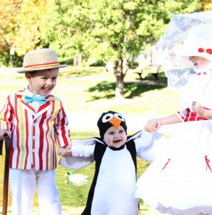 28+ of the BEST Halloween Family Costume Ideas. So funny.
