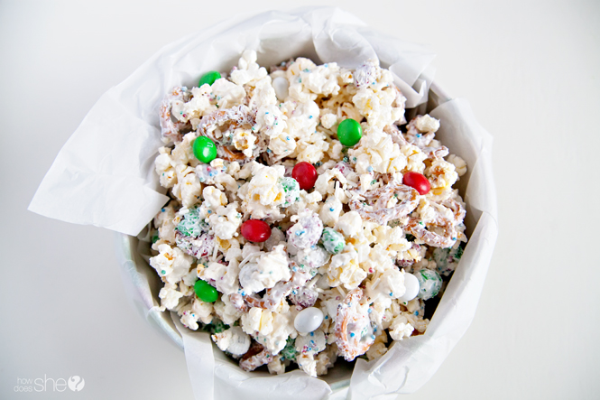 white-chocolate-peppermint-popcorn-3