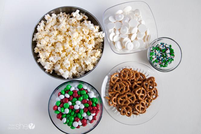 white-chocolate-peppermint-popcorn-funfetti-mix-2