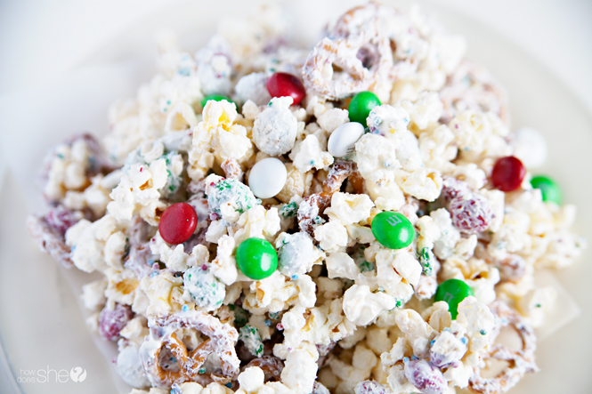 white-chocolate-peppermint-popcorn-mix-3