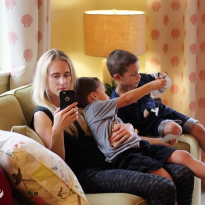Are You a Mobile Addict? 5 Tips To Break The Addiction