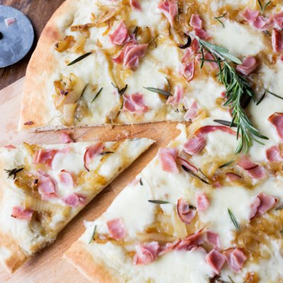 Ham and Caramelized Onion Pizza:  Plus the EASIEST pizza crust recipe