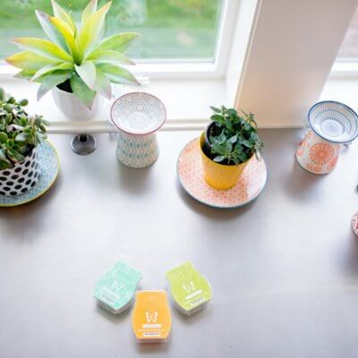 The Modern Mom's Guide To Decorating with Scentsy
