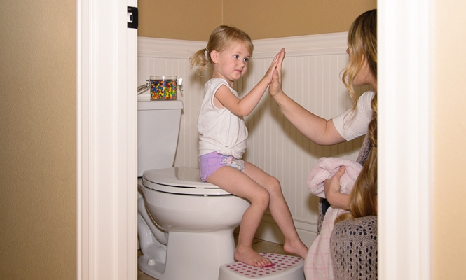 It's #Time2Potty! Signs, Tips, and Proud Mama Moments in Potty Training
