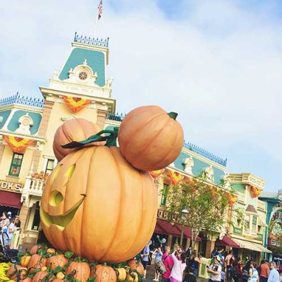 Why Disneyland is the BEST way to spend Halloween