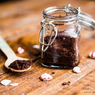 Amazing Salted Peppermint Mocha Lip Scrub Recipe