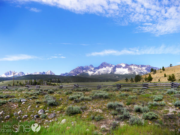 Sawtooth Mountains photo