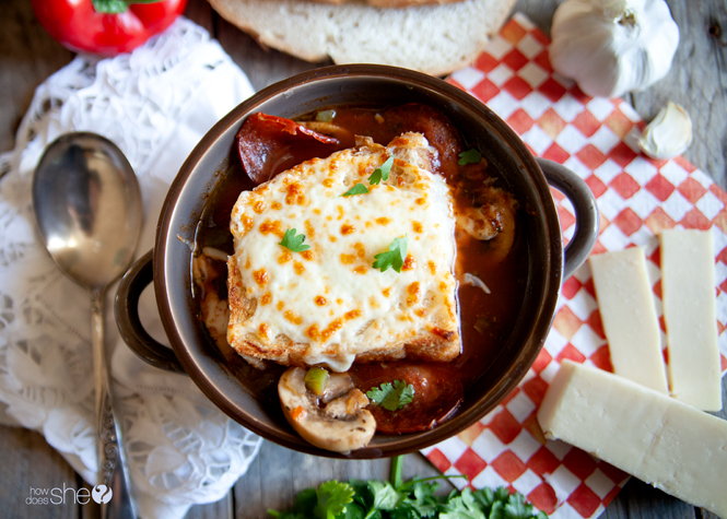 Super Easy Pizza Soup in 20 Minutes