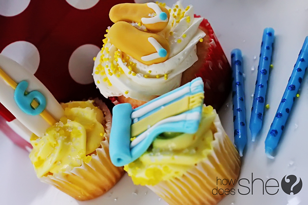 decorating cupcakes with fondant
