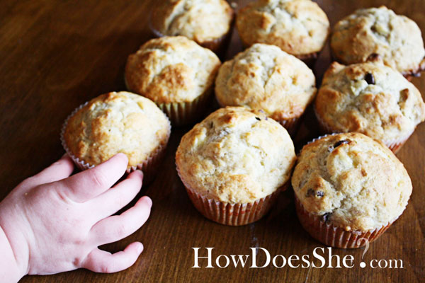 Best Ever Banana Nut Muffins {with chocolate chips of course} | How ...