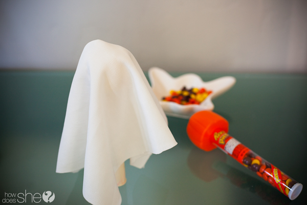 Halloween treat ghosts